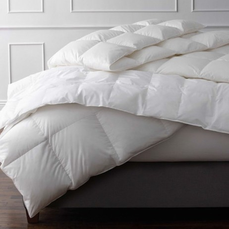Valletto Down Comforter by Matouk