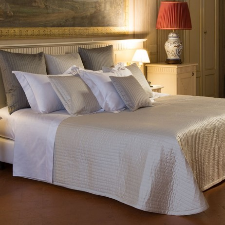 Siena Coverlet By Signoria di Firenze